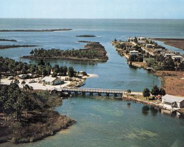 Aripeka, Florida — Man Buys Entire Town For $15,000